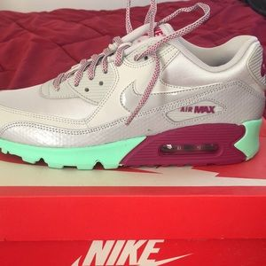 Women's Air Max 90,size 9.5